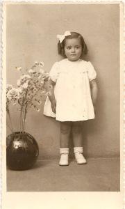 chr30 Esther Herrero Doménech niña